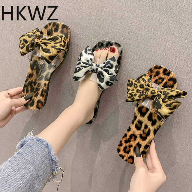 2019 summer brand new leopard color pin-toe fashion wear flat slippers female sweet bow beach slippers women sandals Size 36-40