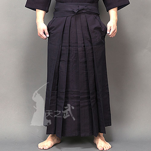 High quality 11000# dyeing of pure cotton trousers (blue skirt hakama) 100% natural plant dye Japanese Kendo for master coach airgracias elasticity jeans men high quality brand denim cotton biker jean regular fit pants trousers size 28 42 black blue