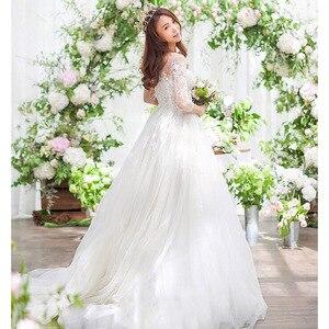 Image 2 - موضة جديدة بسيطة 2020 فساتين زفاف دانتيل ثلاثة أرباع كم س الرقبة أنيقة حجم كبير Vestido De Noiva فساتين العروس الكورية