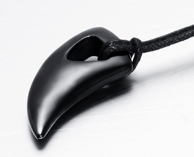 Predator Hunter Tooth Design Pendant