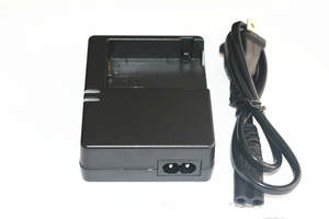 Battery Charging AC 100 V-240 V 50/60 HZ 2 Types Camera Battery Charger For Canon