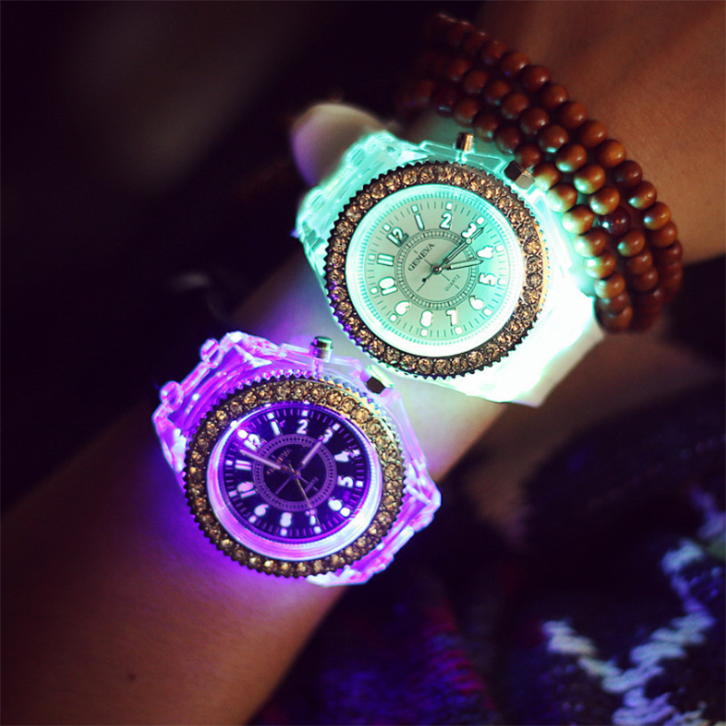 Luminous Watch Women Fashion Casual Quartz Watch Men Watches Silicone Sport Wristwatch Crystal LED Ladies Femme