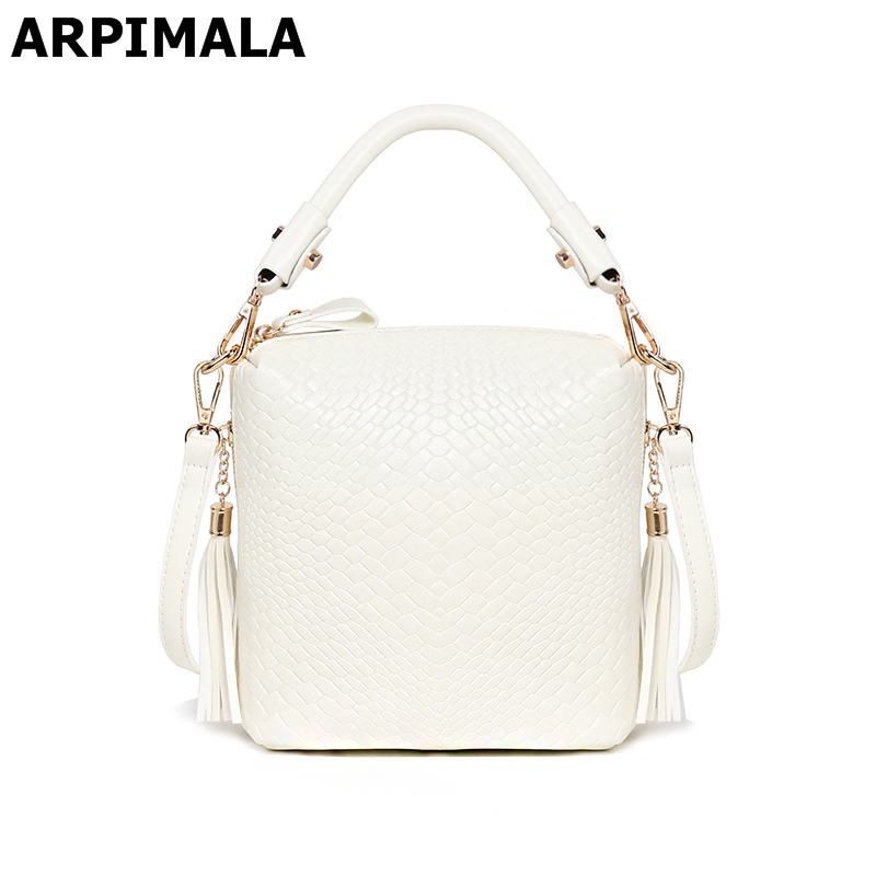 760fd1f7a9a4 ARPIMALA 2018 Summer Bags Luxury Handbags Knitted Women Bags Designer Purses  High Quality Fringe Ladies Hand Bags Tote Crossbody-in Top-Handle Bags from  ...