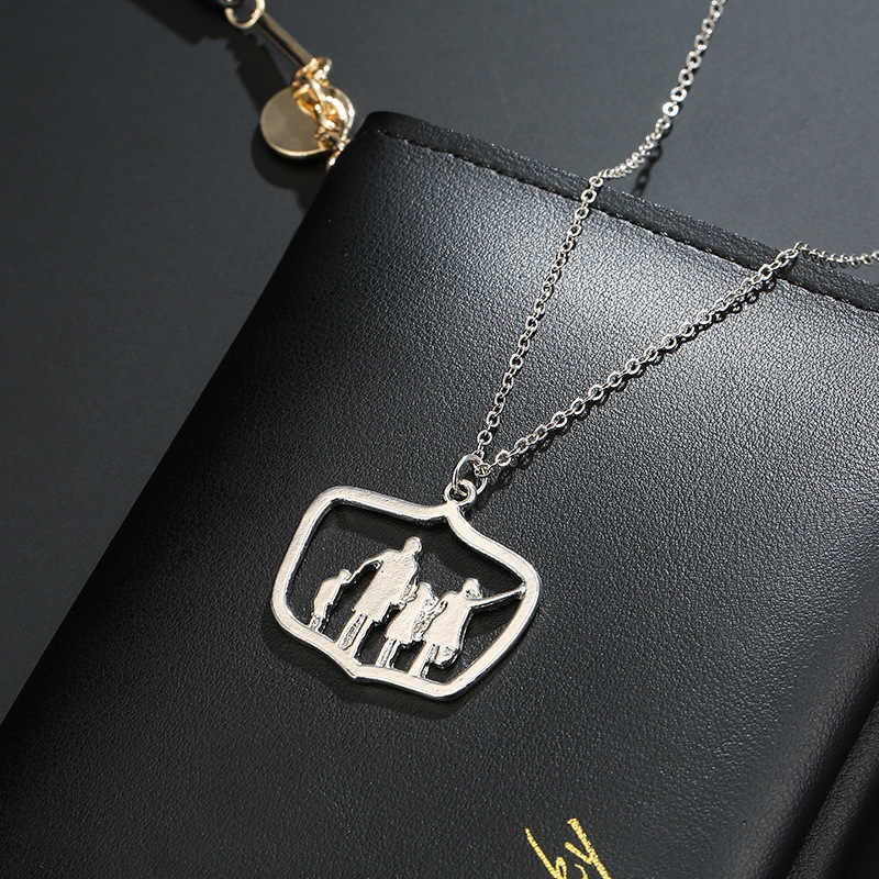 Family Love Mom Dad Son Daughter Necklaces Gifts Silver Pendants Boys Girls  Mothers Fathers Short Necklace For Children Kids