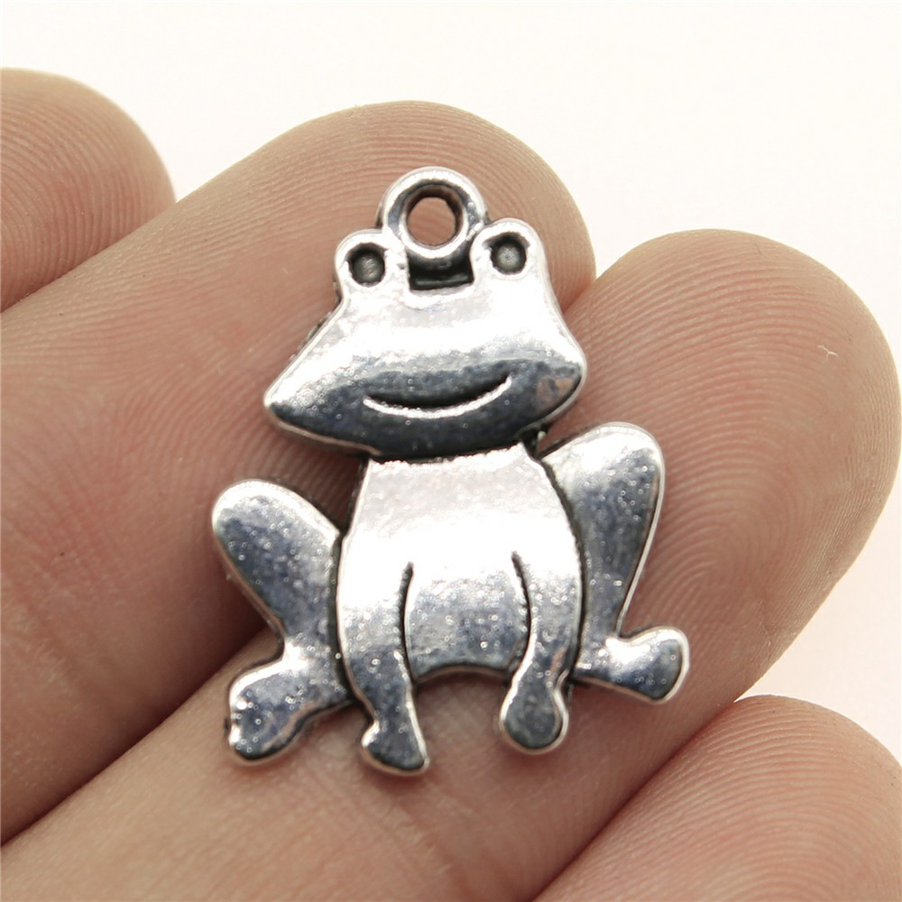 WYSIWYG 8pcs 24*18mm Big-eyed frog Pendants Charms Findings Jewellery Making Findings for DIY Craft