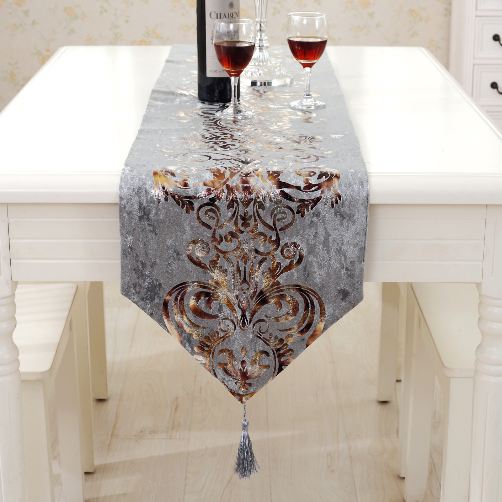 Christmas Table Runners.Us 11 79 49 Off European Luxury Table Runner Tablecloth Flocking Blossom Damask Wedding Christmas Table Cloth Bed End Runners Home Decoration In