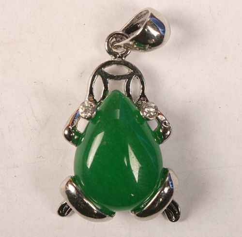 Frete grátis > >> >> sapo pingente de colar de Jade verde inlay, Aaa