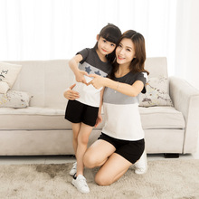 Mommy and Me Clothes Shirts Dresses Mum Mom Father and Son Mother and Daughter Clothes Star Tank T Shirts 2017 Summer Cotton
