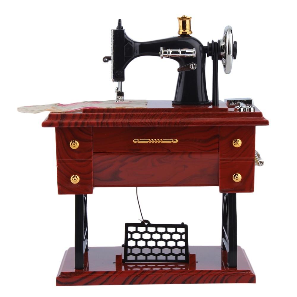 1 Stück Mini Vintage Lockwork Nähen Maschine Musik Box Kid Spielzeug Treadle Sartorius Spielzeug Retro Geburtstag Geschenk Wohnkultur Drop Verschiffen