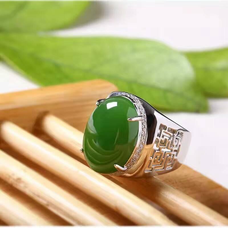 Chinese stijl groene jade man ring 12*16mm natuurlijke jade vintage 925 zilveren edelsteen ring voor man luxe zilveren man ring-in Ringen van Sieraden & accessoires op  Groep 3