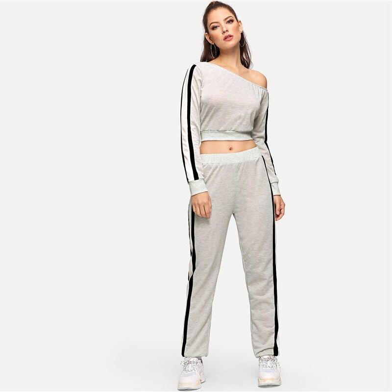 f15182b979d3 SHEIN Ropa deportiva de dos piezas gris para mujer fuera del hombro Rayas  Manga larga Mujeres Trajes y pantalones de dos piezas