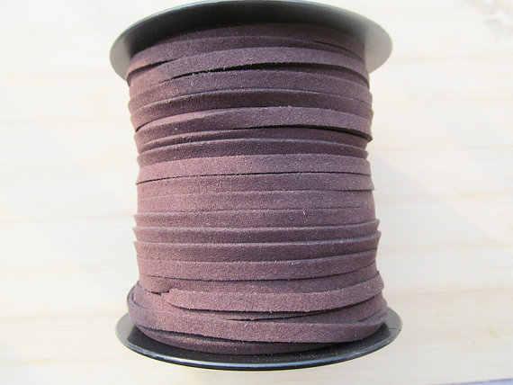 Cordón suede violeta 50 cm grosor 2,5 x 1,5 mm cierre mosquetón collar