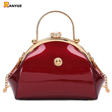 Siyah kırmızı lüks Patent deri Tote çanta kadın çanta moda kadın debriyaj bayanlar parti çantalar akşam çanta düğün zinciri Sac