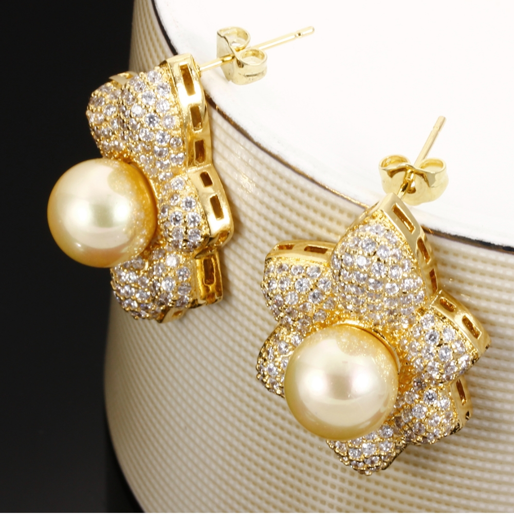 in ring pin diamond and yellow set fine pearls white gold