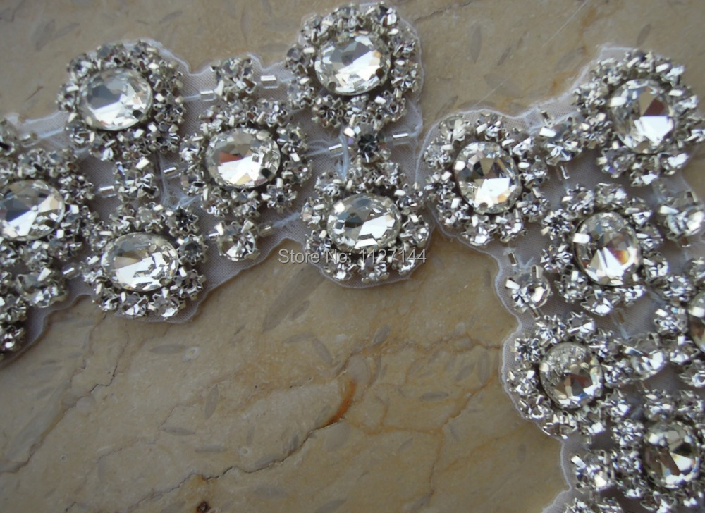 (30pcs) Wholesale crystal rhinestone neckline collar applique for dress DIY iron on WDD0044