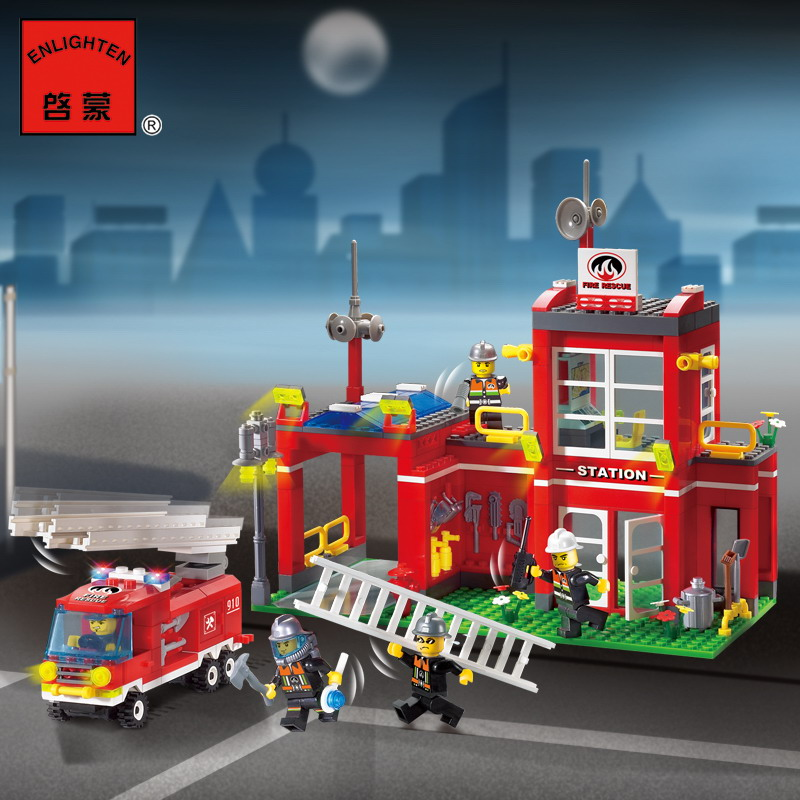 910 ENLIGHTEN Fire Station Rescue Control Fire Bureau Model Building Blocks Action Figure Toys For Children Compatible Legoe b0331 sluban city bus double decker 5pcs dolls model building blocks enlighten action figure toys for children compatible legoe