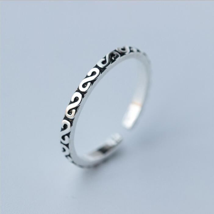 Shuangshuo ezüstözött gyűrűk nők számára állítható egyszerű betűkkel gyűrűk lányoknak születésnapi ajándékokhoz