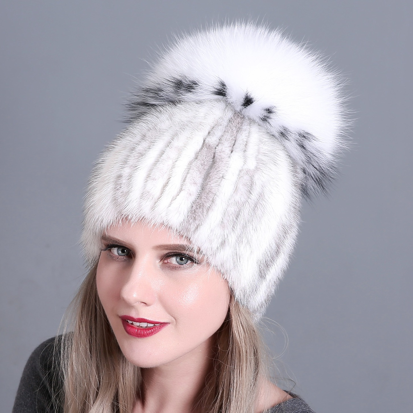 Women's Bomber Hats Apparel Accessories New Arrival Lady Natural Mink Fur Hats Three Fox Fur Pompoms Ear Protection Hand Knitted Thick Warm Yarn Lining