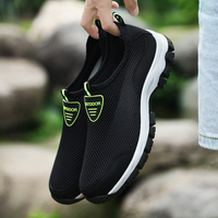 2019 Fashion Men Casual Shoes Slip on Summer Breathable Air Mesh Men's Flats Trainers Sneaker Water Loafers Shoe Mens Big Size