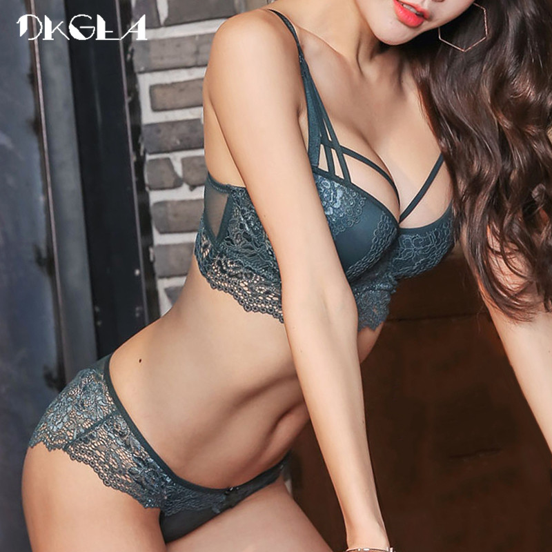 New Top Sexy Underwear Set Cotton Push-up Bra and Panty Sets 3/4 Cup Brand Green Lace Lingerie Set Women Deep V Brassiere Black image