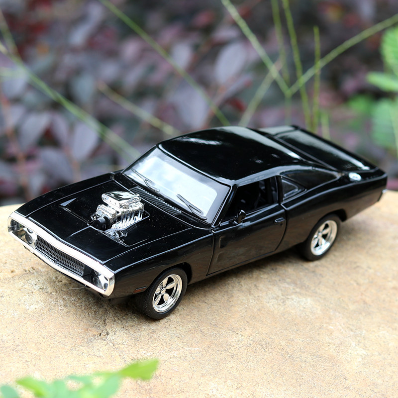 2019 New Alloy Toy Cars Dodge Charger 1:32 Alloy Wholesale Car Model Four Door Open Mustang GT Children's Toy Car Metal Models