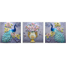 лучшая цена Living room sofa background wall decoration painting frameless painting three-dimensional relief painting peacock