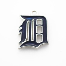 20pcs/lot Detroit Tigers MLB Baseball Team Sports Dangle Charms For Bracelet Bangle Pendant Hanging Floating Charms Diy Jewelry