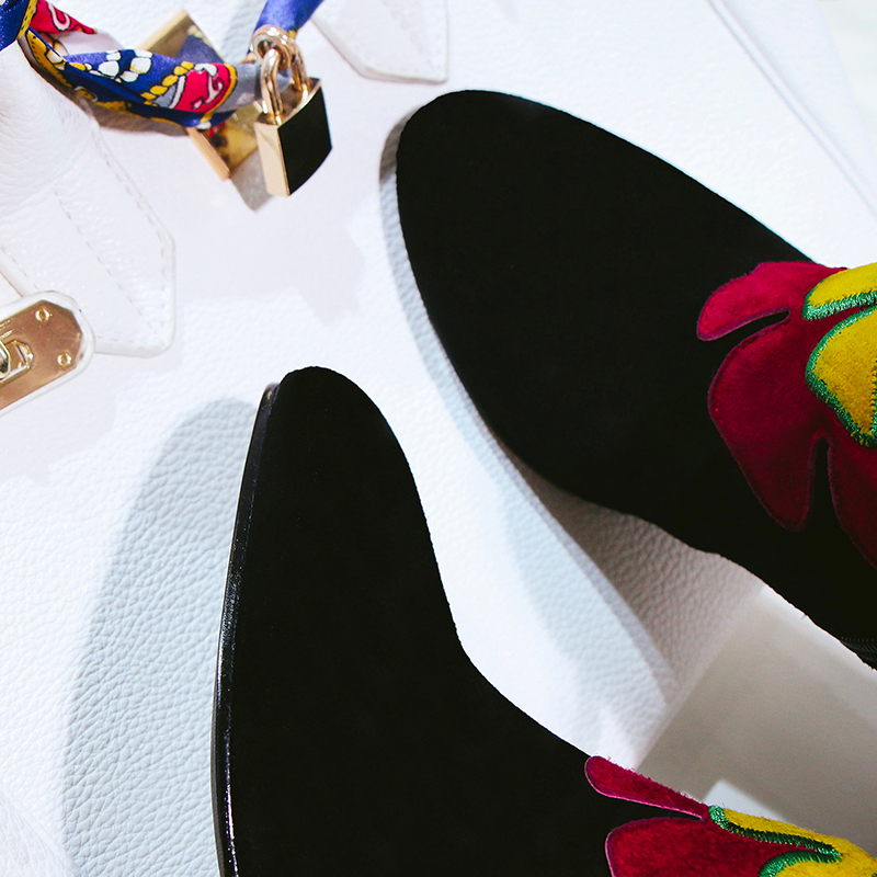 2019 الجلد المدبوغ زهور بلاستيكية النساء غريبة الكعب العالي حذاء من الجلد الأسود الأخضر السيدات أحذية الحفلات امرأة كبيرة حجم 41 42 43-في أحذية الكاحل من أحذية على  مجموعة 3