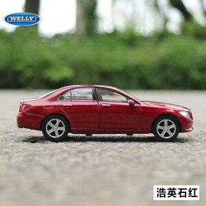 Image 4 - Gratis Verzending 1:36 Benz E Klasse Legering Auto Speelgoed Model Met Pull Back Functie Originele Doos Simulatie Model Auto speelgoed Voor Kinderen Gift