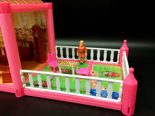 Large Size Colorful Plastic Doll House