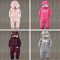 2017 Детская одежда зима теплая пижамы медведь одежда подняться младенцев милые bebes одежда младенца флиса комбинезоны толстые с капюшоном