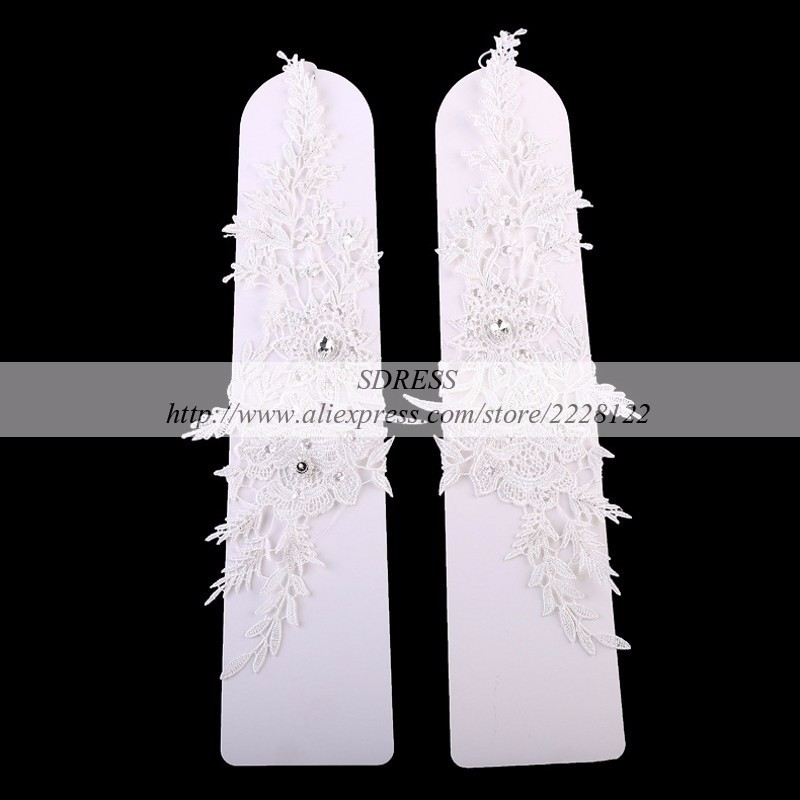 conew_simple-cheap-white-bridal-gloves-evening-fingerless-lace-wedding-gloves-in-stock-bridal-gloves-para-noiva (1)_conew1