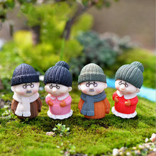 Old Grandma granny Couple Figurines Miniatures Fairy Garden Ornament home Wedding Decoration Terrariums Resin Crafts toy TNS048
