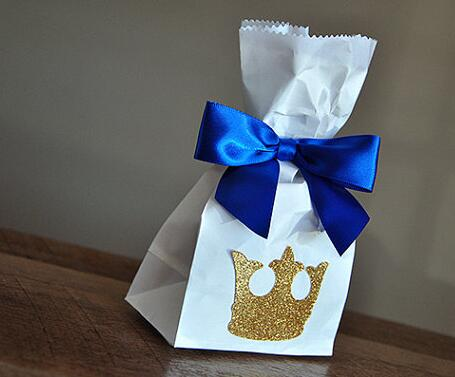 Us 10 94 20 Off Glitter Royal Prince Baby Shower Favor Bags Wedding Party Lables Birthday Holders In Gift Wring