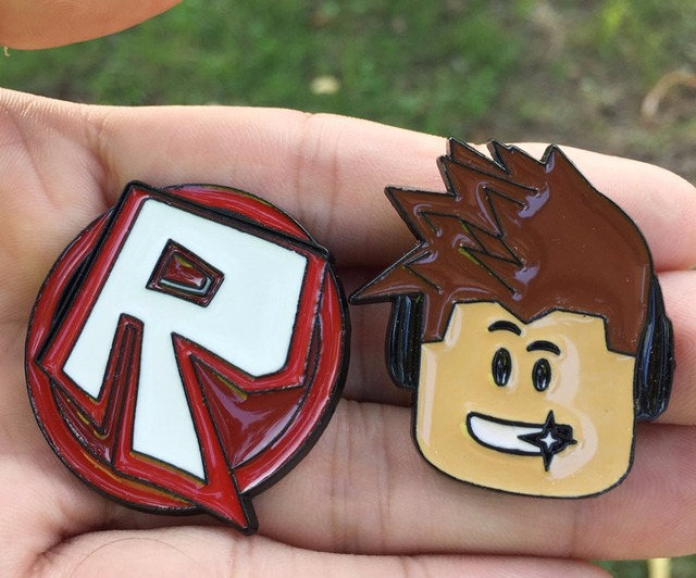 US $2 96 |2018 Hot Game Roblox Face R logo Brooches Pin Metal Badge Hat  Clothes Pendants cosplay accessories boys men women gift on Aliexpress com  |