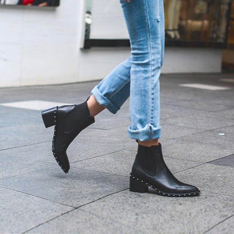 Новейшие ботинки «Челси» с заклепками, женские ботильоны, весенне-зимние ботинки, женская обувь из натуральной кожи на высоком квадратном к...