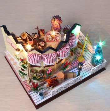 ФОТО Diy dollhouse vanilla wooden toy assembling model house day gift