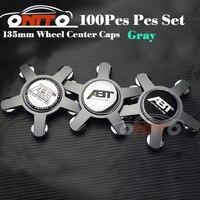 Toptan 100 adet 135 MM 5 pençe siyah/gri taban tekerlek merkezi Kapak Araba Logosu Rozeti Amblem Araba için otomatik tekerlek hub caps