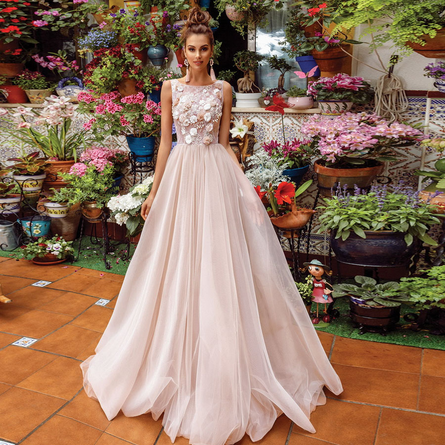 Charming 3D-flowers Lace O-neck A-line Wedding Dress With Pearls Illusion Back Sweep Train Bridal Party Dress