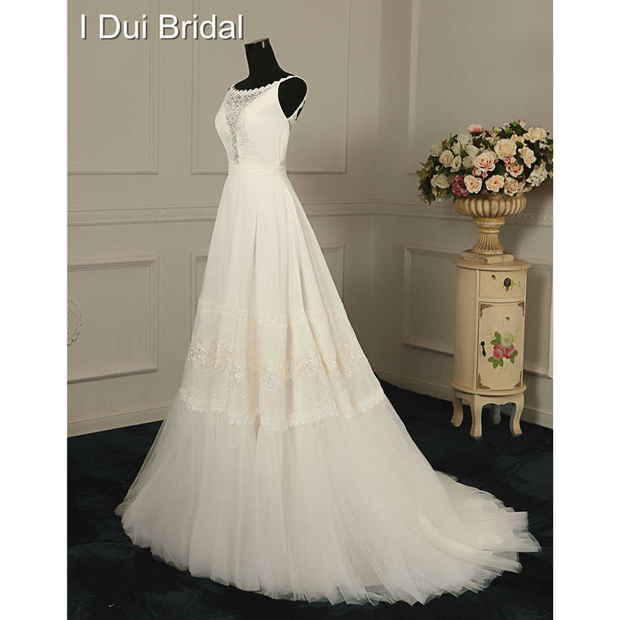 A Line Lace Appliqued Tulle Unique Design Wedding Dresses Factory Custom Made Real Photo