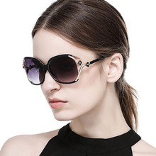 2019 Classic Camellia Flower Decoration Sunglasses Fashion Hollow Cool Trend Big Frame Plastic Gradient