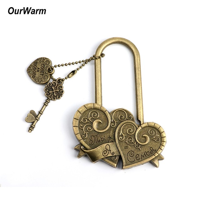 OurWarm Rustic Wedding Anniversary Russian Letter Key Double Heart Love Locks for Wedding Souvenirs Decoration You+Me=Family