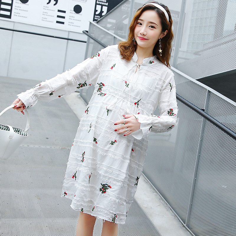 Fashion Embroidery White Sweet Pregncy Dress Clothes for Pregnant Women 2019 Spring Korean Ruffle Elegant Maternity DressesFashion Embroidery White Sweet Pregncy Dress Clothes for Pregnant Women 2019 Spring Korean Ruffle Elegant Maternity Dresses