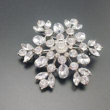 Copo de nieve plateado tono Vintage cristal flor nupcial broche chica pentagrama ramillete Pin para boda Artículo n. °: BH7461