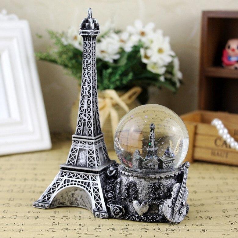 Rétro tour Eiffel boule de cristal créative résine décoration de la maison cadeaux pour la saint-valentin beaux ornements de rêve
