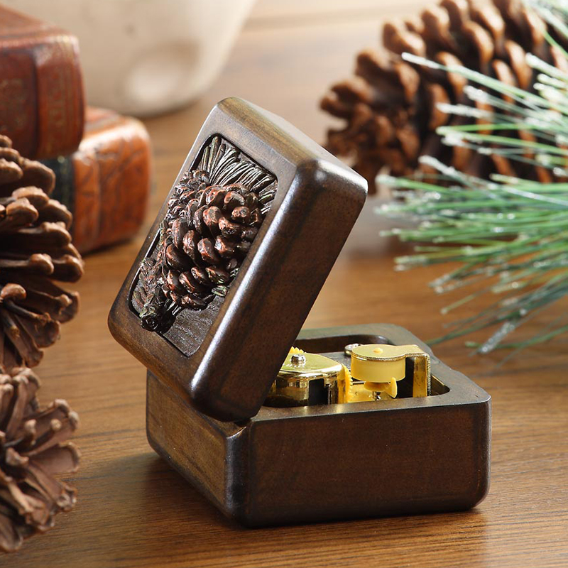 high end pine cone 18 tones wooden music box
