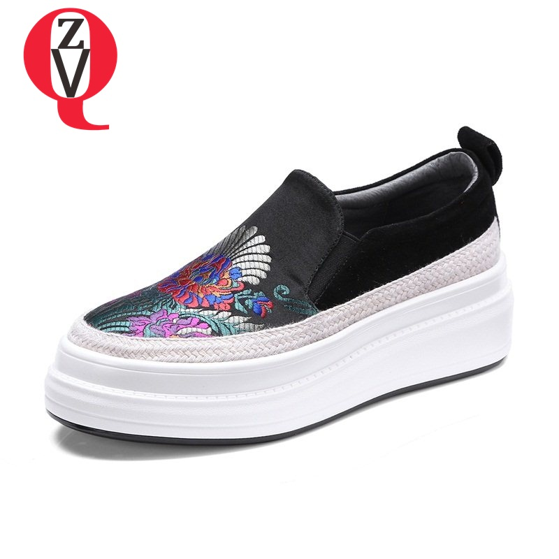 ZVQ The embroidery cloth elastic band round toe campus platform college pumps sheep skull patch spring girls shoes newest