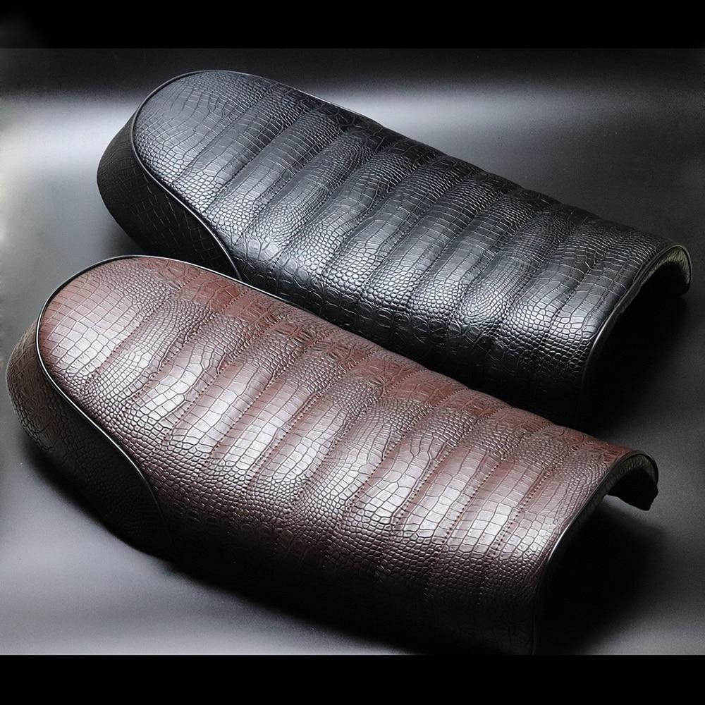 Black Brown Flat Seat Cafe Racer Vintag Saddle For Suzuki GN125 GN250 GN400 GR650 GS250 GT250 T250 TU250 GT380 GS450 GS500 GS550