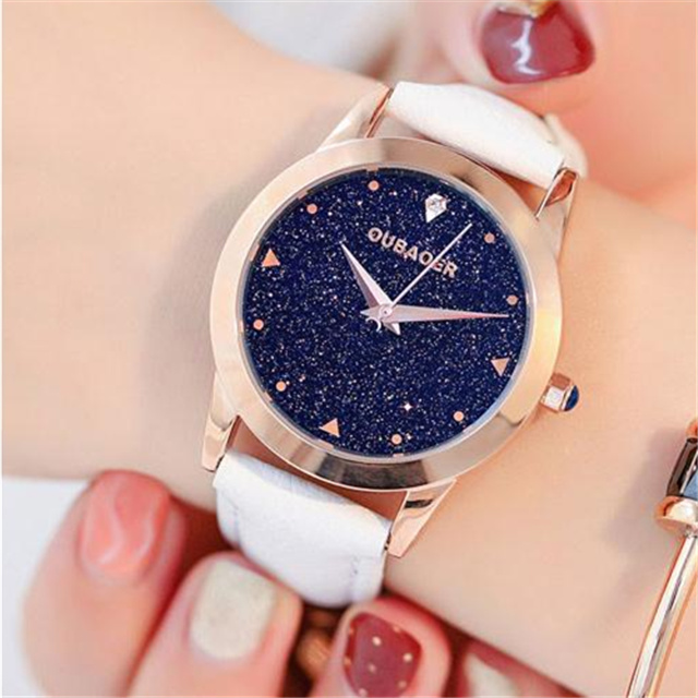 купить 2018 New Lady Fashion Watch Women Elegant Wristwatch Luxury Quartz Watch Waterproof Simple Leather Watches Relogio Feminino по цене 3236.68 рублей