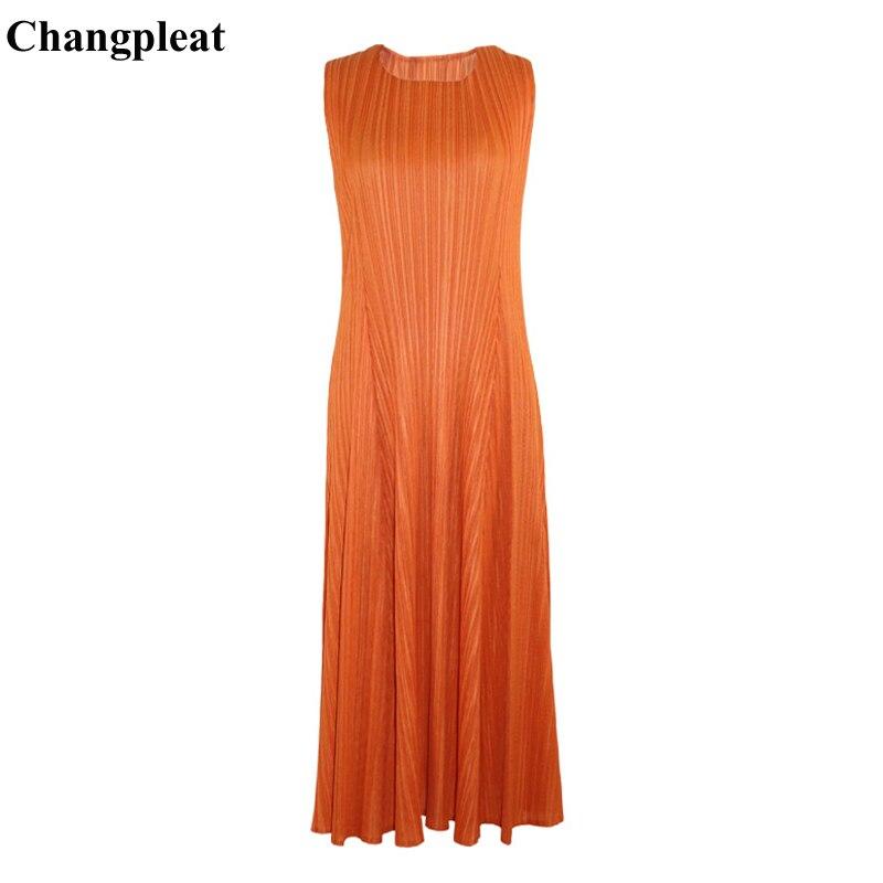 Changpleat 2019 été nouvelles femmes robes solides Miyak plissé mode mince grand élastique sans manches o cou grande taille femmes robe-in Robes from Mode Femme et Accessoires    1